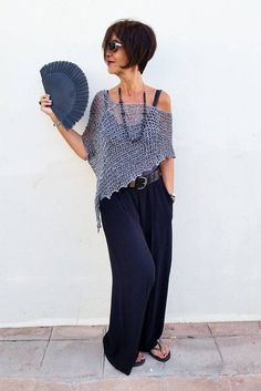 A grey knit wrap is the perfec