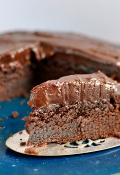 The best ever chocolate mud cake | Claire K Creations