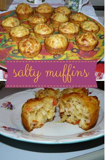 home made easy cakes: Salty Muffins Easy Recipe Other Recipes, Real Food Recipes, Great Recipes, Favorite Recipes, Easy Recipes, Muffin Recipes, Snack Recipes, Dessert Recipes, Breakfast Time