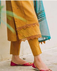 Girls Dresses Sewing, Stylish Dresses For Girls, Stylish Dress Designs, Simple Dresses, Pakistani Fashion Party Wear, Pakistani Dresses Casual, Pakistani Dress Design, Kurta Designs Women, Salwar Designs