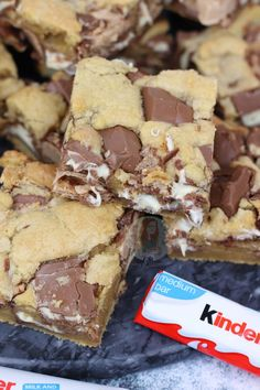 – Jane's Patisserie More from my siteKinder Bueno Cookie Bars! Tray Bake Recipes, Baking Recipes, Cookie Recipes, Dessert Recipes, Easter Recipes, Nutella Recipes, Dessert Food, Dinner Recipes, Food Cakes