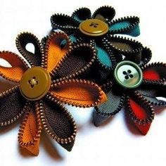 zipper/button hair bows... how cute!!