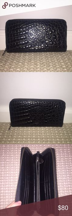 Tory Burch Croc Effect Wallet Tory Burch croc effect wallet never used. Very trendy and chic. Great wallet that holds a lot and still has style. Tory Burch Bags Wallets