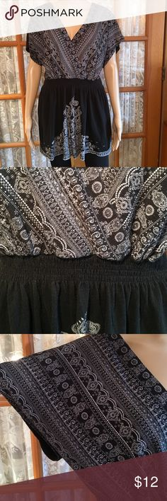 "Roz & Ali 3 X Black  & White Batwing Boho Top 58% cotton 41% polyester 1% spandex. Bust is 46"" Length is 31"". It has a 4 row soft skinny elastic waistline. No flaws and comes from my non smoking home Roz & Ali Tops"