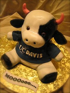 Bring this sweet treat to your next tailgate! UC Davis cow cake, via Flickr.