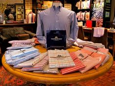 Hamilton Shirt Co in Houston, Texas is now the exclusive Thomas Mason bespoke shirting fabric supplier in the United States.  The idea behind the Thomas Mason Bespoke collection is to dramatically expand the options for customers: in addition to the myriad of Thomas Mason fabrics that Hamilton regularly stocks, customers will now be able to choose from 750 additional fabrics that can be drop shipped from Italy.