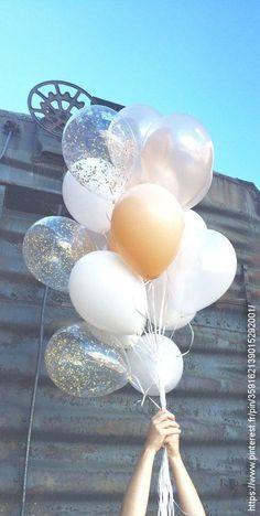 Giant Cream Balloon Bouquet with Gold Glitter Confetti Balloons - Decoration For Home Ballons Brilliantes, Glitter Ballons, Glitter Confetti, Gold Balloons, Gold Glitter, Glitter Wedding, Glitter Nikes, Glitter Bomb, Glitter Dress