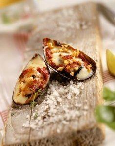 Moules gratinées à la tomate et au gruyère, recette de moules gratinées à la tomate et au gruyère - Recette de tapas: 12 recettes pour une soirée tapas à l'espagnole
