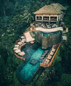 Luxury Resort in Bali, Indonesia Ubud - Hanging Gardens of Bali Luxury Travel Bali Indonesia- Hangin Ubud Hanging Gardens, Top 10 Hotels, Beste Hotels, Little Cabin, Beautiful Hotels, Beautiful Places, Amazing Hotels, Bungalows, Luxury Travel