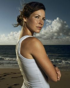 Lost, Evangeline Lilly as Freckles (Kate Austen) Canadian Actresses, Actors & Actresses, Nicole Evangeline Lilly, Kate Austin, Lost Tv Show, Beach Tanks, Jolie Photo, Celebs, Celebrities