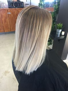 87 unique ombre hair color ideas to rock in 2018 - Hairstyles Trends Bronde Hair, Brown Hair Balayage, Hair Color Balayage, Hair Highlights, Blonde And Brown Ombre, Cool Blonde Balayage, Beliage Hair, Blonde Hair Looks, Ash Blonde Hair