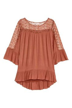 Browse our newest arrivals in women's clothes at H&M. Shop online for affordable work clothes, party outfits, plus-size clothing and more in the latest styl Affordable Work Clothes, Zara, Shirt Shop, Lace Detail, Shirt Blouses, Blouses For Women, Plus Size Outfits, Fashion Online, Style Me