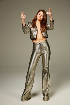 The Fappening Selena Gomez Topless in sexy tight pants and a glittery waistcoat. Selena Gomez is a 25 year old American actress of film, television and sound, Selena Gomez Daily, Selena Gomez Pictures, American Actress, Leather Pants, Singer, Actresses, Sexy, Photos, Fashion