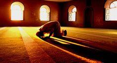 """5 Ibadah Yang Bernilai Sedekah Bersyukur kita jika dikaruniai Allah SWT harta yang cukup sehingga mampu bersedekah sebanyak-banyaknya. Tapi bagaimana kalau kita kekurangan? Tak perlu risau ada amalan bernilai sedekah. Berikut lima di antaranya.  Bersedekah termasuk amal istimewa. Apakah hanya mereka yang berharta yang mampu bersedekah? Jawabannya ada dalam hadis ini yang artinya dari Abu Dzar Ra ia berkata """"Sesungguhnya sebagian dari para sahabat Rasulullah Saw berkata pada Nabi Saw """"Wahai…"""