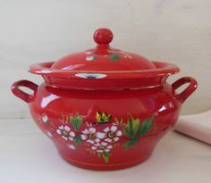VINTAGE red ENAMEL soup TUREEN . Red enamelware . Bird Flowers. Kitchen decor ! by TheFrenchEvolution on Etsy https://www.etsy.com/listing/255491795/vintage-red-enamel-soup-tureen-red