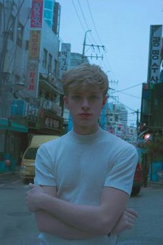 Blonde Boy Aesthetic, Tumblr Boys, Aesthetic Pictures, Wattpad, Pretty Boys, Cute Boys, Draco, Poses, Character Inspiration
