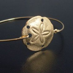 they have this in silver and other sea-related themes lovee