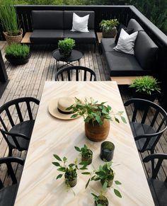 New and Cheap Garden-Backyard Patio Furniture ideas DIY Outdoor Rooms, Outdoor Dining, Dining Table, Outdoor Patios, Outdoor Kitchens, Patio Table, Backyard Patio, Backyard Landscaping, Patio Balcony Ideas