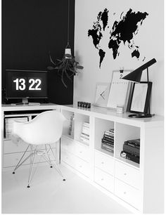 Hyllor/lådor. Ikea Expedit.