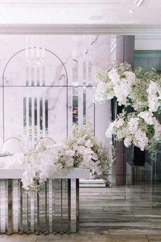 Winter Wedding Flowers, Fall Wedding Bouquets, Wedding Flower Decorations, Floral Wedding, Gypsophila Wedding, Funeral Flower Arrangements, Flower Installation, Bridal Table, Modern Wedding Inspiration