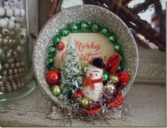 vintage Christmas diorama from A Thing for Roses Vintage Christmas Crafts, Retro Christmas Decorations, Christmas Ornaments To Make, Christmas Scenes, Christmas Past, Vintage Holiday, Christmas Projects, All Things Christmas, Country Christmas