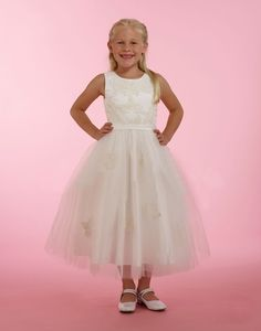 This stunning dress features an embroidered tank top bodice with a beautiful satin belt. The dress is finished by a full tulle skirt with the same lace motif. White Flower Girl Dresses, Flower Girls, Tulle Dress, Lace Dress, Girls Designer Dresses, Stunning Dresses, Bodice, Satin, Belt