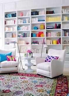 Un coin lecture aux couleurs fluo par petites touches - Marie Claire Maison