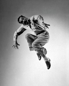 Gjon Mili, Portrait of Gene Kelly, 1944 Gene Kelly, Gjon Mili, Shall We Dance, Lets Dance, Tap Dance, Dance Art, Classic Hollywood, Old Hollywood, Hollywood Stars