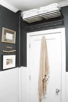 Beautiful master bathroom style tips. Modern Farmhouse, Rustic Modern, Classic, light and airy bathroom design some suggestions. Bathroom makeover a few some ideas and master bathroom remodel suggestions. Diy Bathroom, Small Bathroom Storage, Bathroom Doors, Bathroom Towels, Bathroom Organization, White Bathroom, Bathroom Ideas, Remodel Bathroom, Bathroom Cabinets