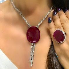 Red Jewelry, Luxury Jewelry, Indian Jewelry, Pendant Jewelry, Jewelry Sets, Bridal Jewelry, Vintage Jewelry, Fine Jewelry, Fashion Jewelry