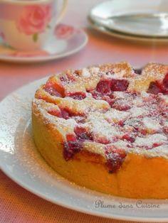 Le gâteau aux framboises le plus simple et le plus surprenant que je connaisse... Voici encore une recette très simple et rapide (ben oui quand on peut fai