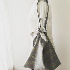 Cotton shoulder bag with cute ribbon #shoulderbag #cottonbag #handmade #fashionitem #北欧風2wayショルダーバック