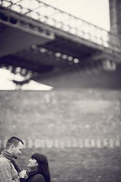 Brooklyn Bridge surprise Engagements » NYC based photographer, Sascha Reinking Photography, black and white photos