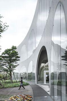 Tama Art University Library by Toyo Ito Associates   Yellowtrace