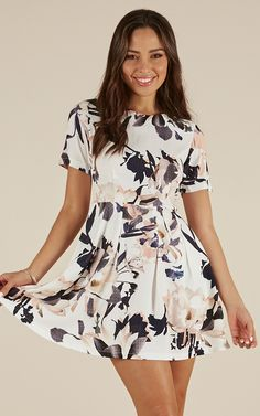 Showpo Fast Play dress in white print - 20 (XXXXL) Party Dresses Play Dress, Cotton Style, Super Cute, White Dress, Stylish, Party Dresses, Casual, Model, How To Wear