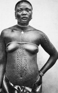 "Africa | ""Umangi woman"" Belgian Congo || Image from the publication 'Croquis D'Afrique' by Yvonne Duckers-Nelis. Published in 1935. Publisher: Nautet-Hans à Verviers"