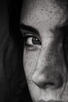 girl, freckles, and eyes Bild