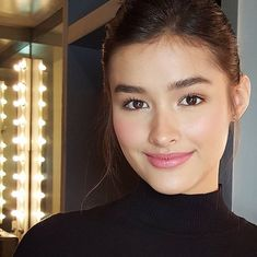Quick fix for @lizasoberano  #makeupbyqua #hairbycharliemanapat #lizasoberano…