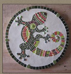www.espritmosaique.com Mosaic Garden Art, Mosaic Art, Mosaic Glass, Mosaic Tiles, Glass Art, Stained Glass, Reptile Crafts, Mosaic Stepping Stones, Mosaic Animals