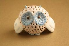 Art deco porcelánok: Kicsi bagoly - Aquincum porcelán Art Deco, Porcelain Ceramics, Sculptures, Blog, Vintage, Porcelain, Sculpting, Blogging, Statue