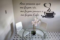 Adesivo Decorativo Frase Amo Pessoas Que Me Fazem Café - Miho Studio Brasil
