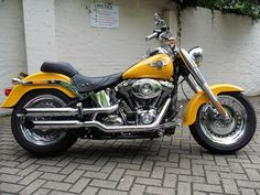 Harley Davidson Fatboy 2011 Yellow Chrome | Flickr - Photo Sharing! #motorcycleharleydavidsonchoppers