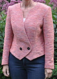 55 Trendy Sewing Projects For Women Dresses Classy Blazer Jackets For Women, Coats For Women, Clothes For Women, Blazer Fashion, Fashion Outfits, Trajes Business Casual, Tailoring Techniques, Professional Wear, Jacket Pattern
