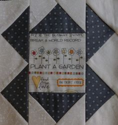 farmer's wife buzzard's roost - 3-fabric setting (2-fabric setting with different center square)
