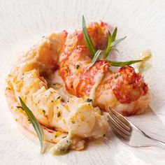 Lobsters roasted with kumquats butter - Healthy Food Mom Lobster Recipes, Seafood Recipes, Gourmet Recipes, Healthy Recipes, Chefs, Food Film, Childrens Meals, Food Print, Entrees