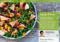 J'adore la salade fattouche: cette salade de pain pita grillé si rafraîchissante en été. Voici moninterprétation hivernale avec deslégumes de saison… parce que latempérature n'est pas une raison pour se priver des bonnes choses! Laissez les pains pitas s'imprégner doucement de vinaigrette