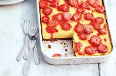 veganer Zitronen-Tofu-Käsekuchen mit Erdbeeren