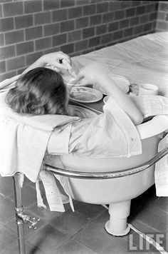 Continuous bath photograph taken by Alfred Eisenstaedt at Pilgrim State Hospital in 1936