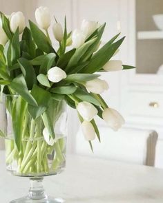 And Lovely Diy Tulip Arrangement Ideas - Page 8 of 41 Simple Wedding Bouquets, Simple Weddings, Wedding Flowers, Cascading Flowers, Cheap Flowers, Centerpieces, Easter Centerpiece, Cheap Home Decor, Home Decor Inspiration