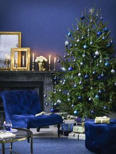 How to decorate with shades of blue at Christmas